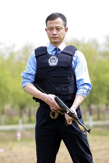 """树立""""东风品牌"""" 锻造一流警队"""